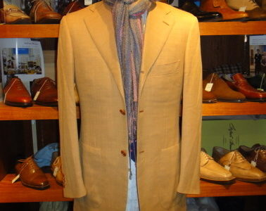 イタリア製ナポリ仕立て【イザイアISAIA】春夏向けウール120's淡いオレンジ色テーラードジャケット薄橙色44サイズS  GIS0009