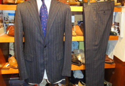 【パルテノペア Partenopea】秋冬カシミヤ混ウールストライプ柄スーツ 48 濃紺