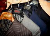 Brioniスーツ並び1307